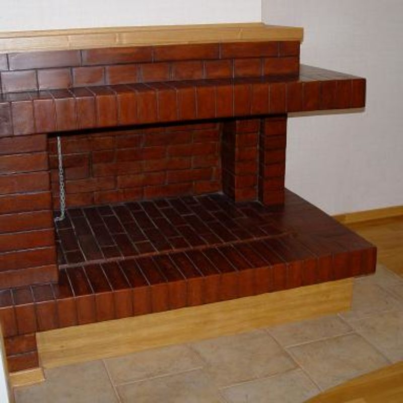 Угловой висячий камин, открытый на две стороны